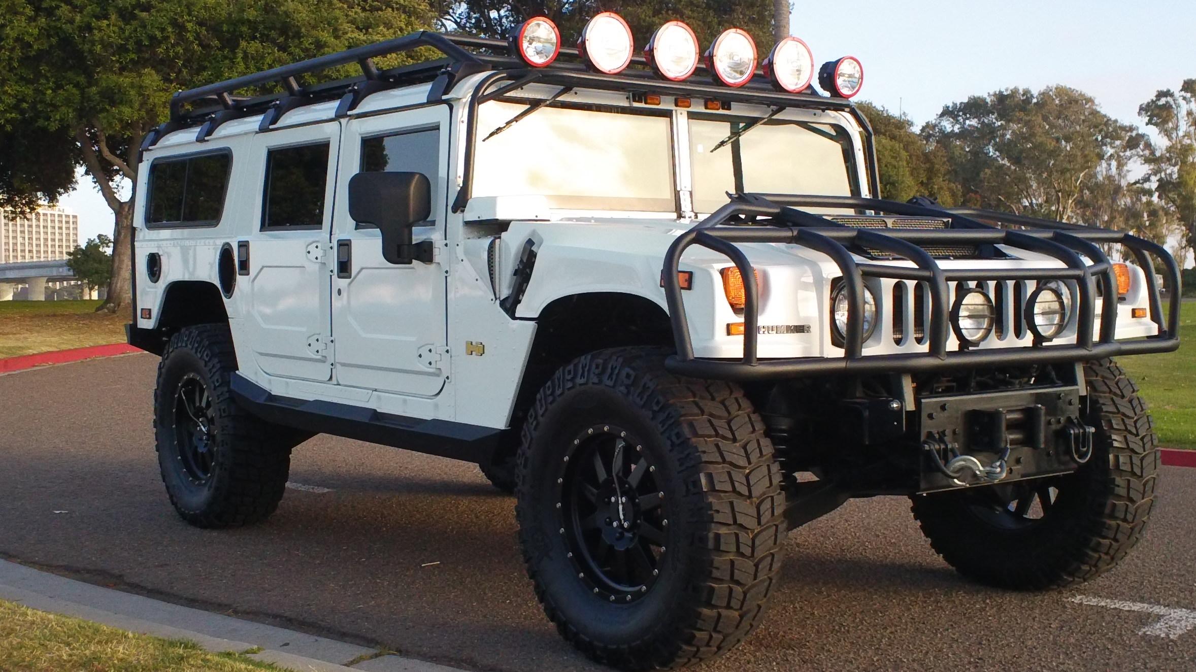 Запуск продаж Hummer