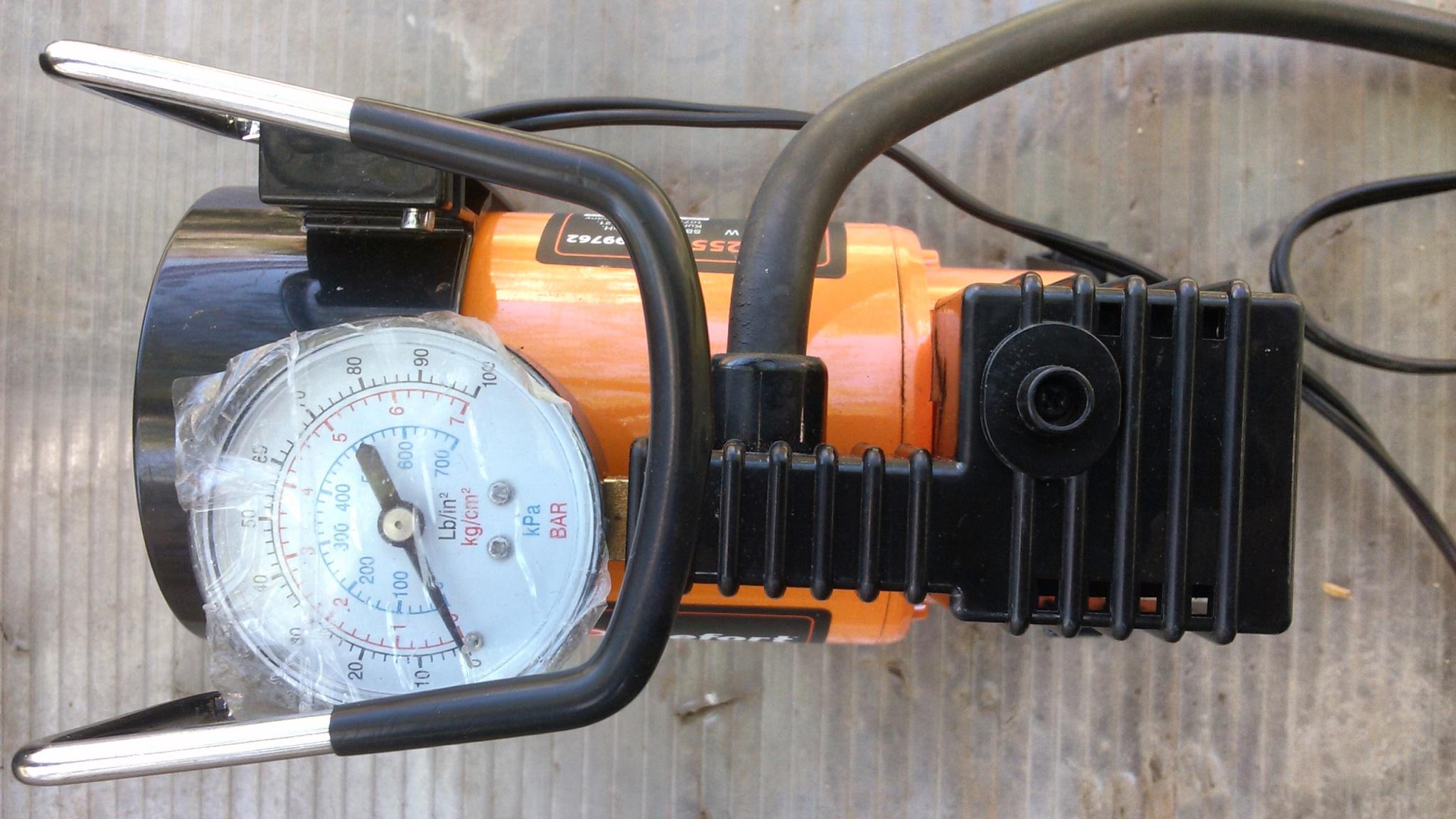 Автомобильный компрессор Defort