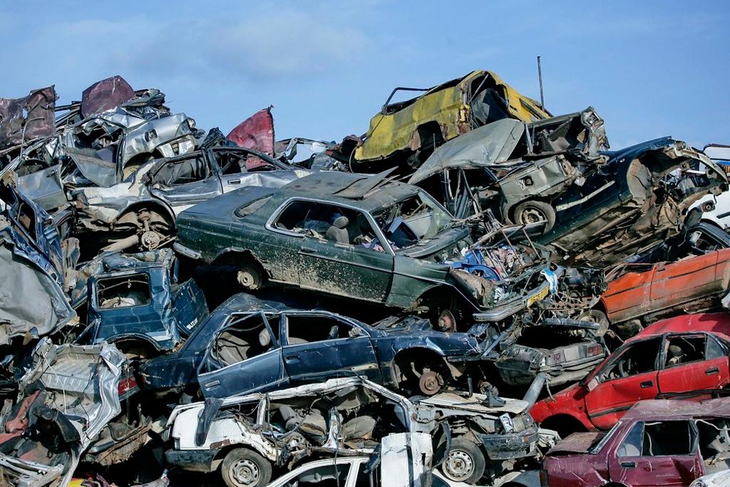 Свалка утилизированных автомобилей