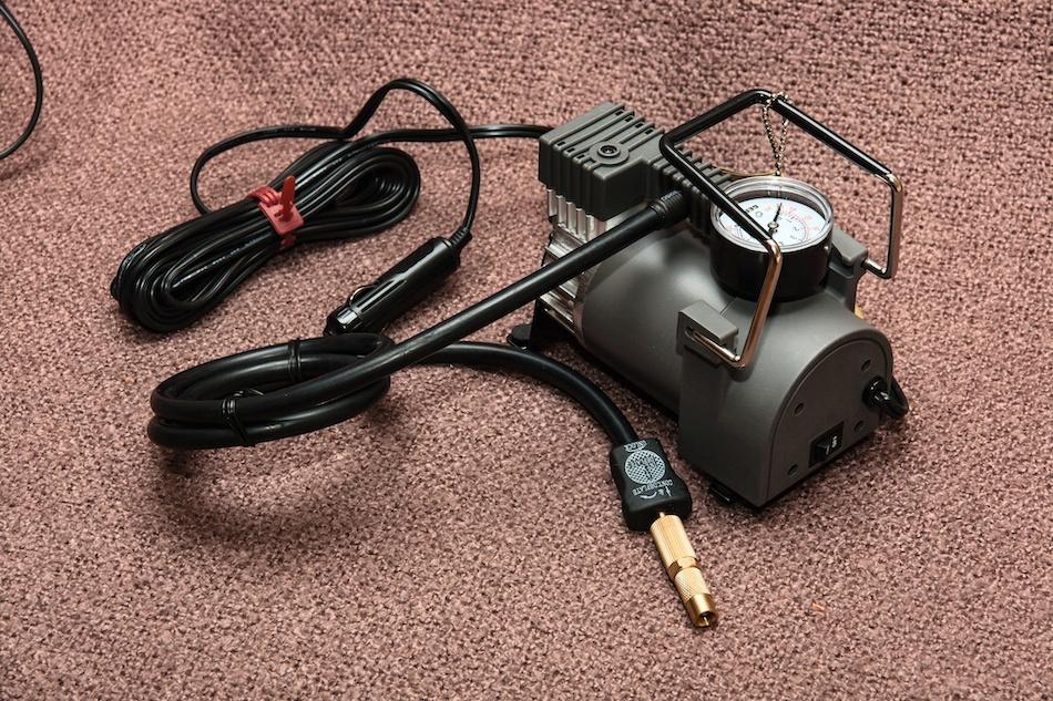 Автомобильный компрессор BERKUT R15