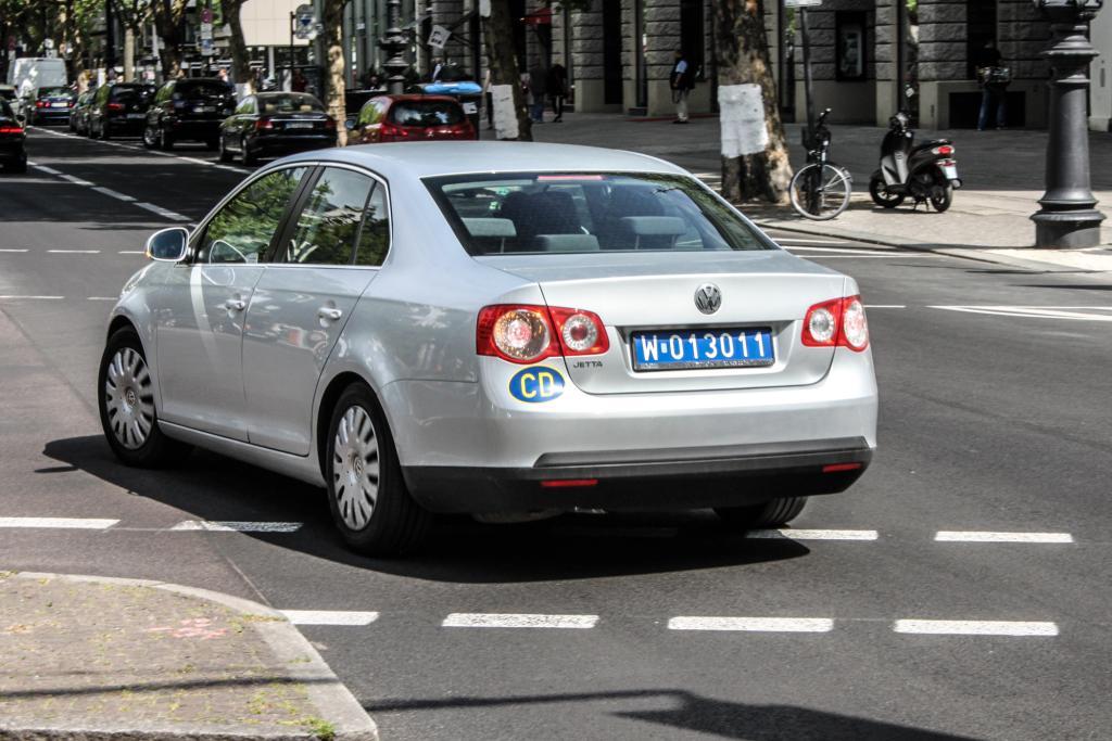 Дипломатические номера польских машин