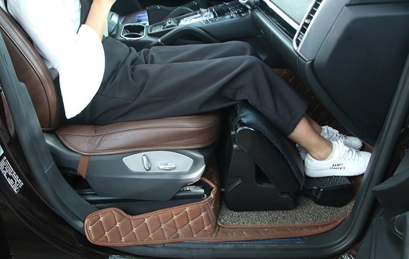 Подставка для ног в машину