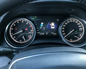 Приборная панель Toyota Camry