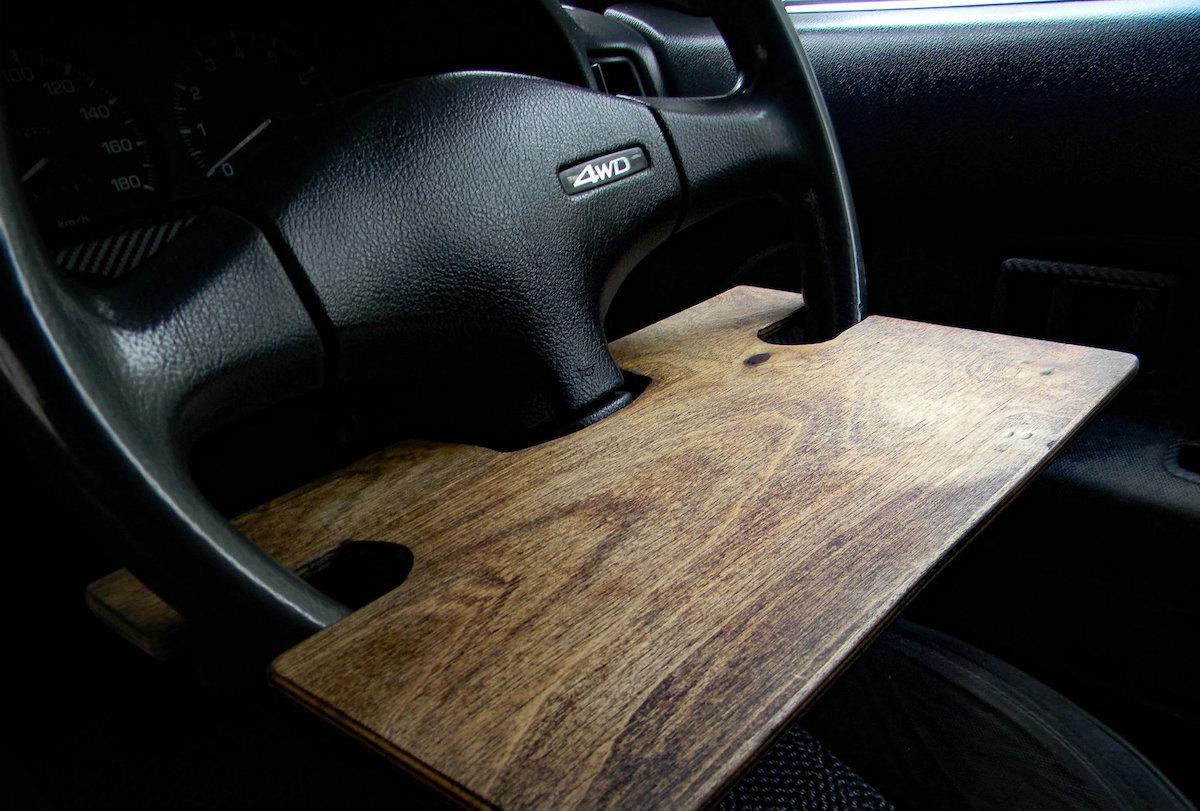 Столик в машину на руль
