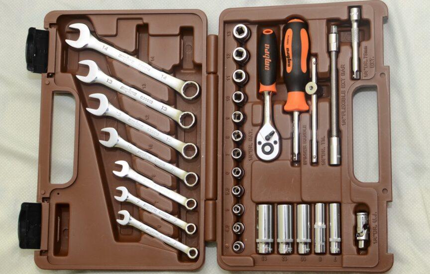 наборы инструментов для автомобиля омбра