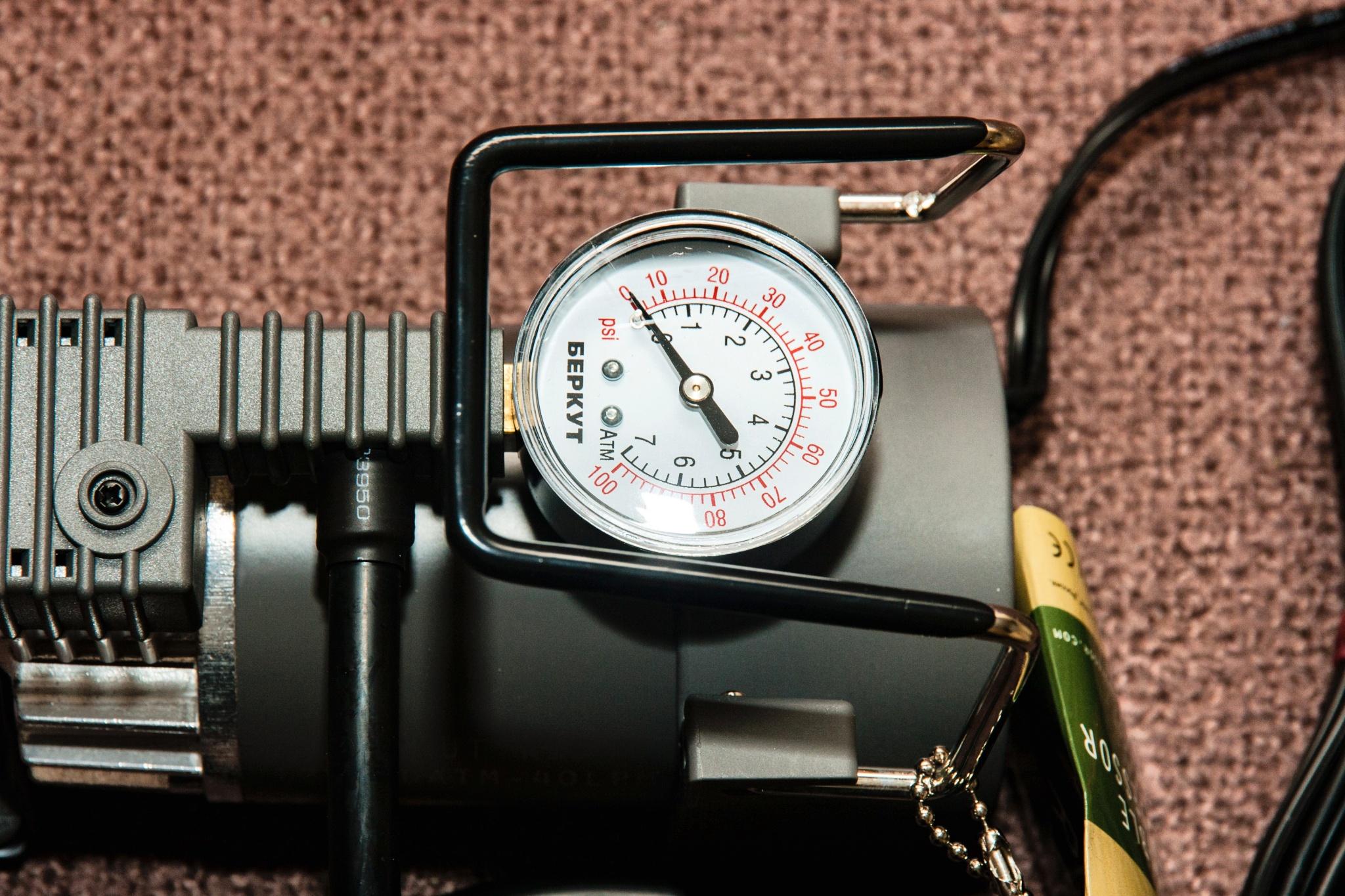 Роль манометра на автомобильном компрессоре, как поменять и починить манометр на автомобильном компрессоре, лучшие модели манометров