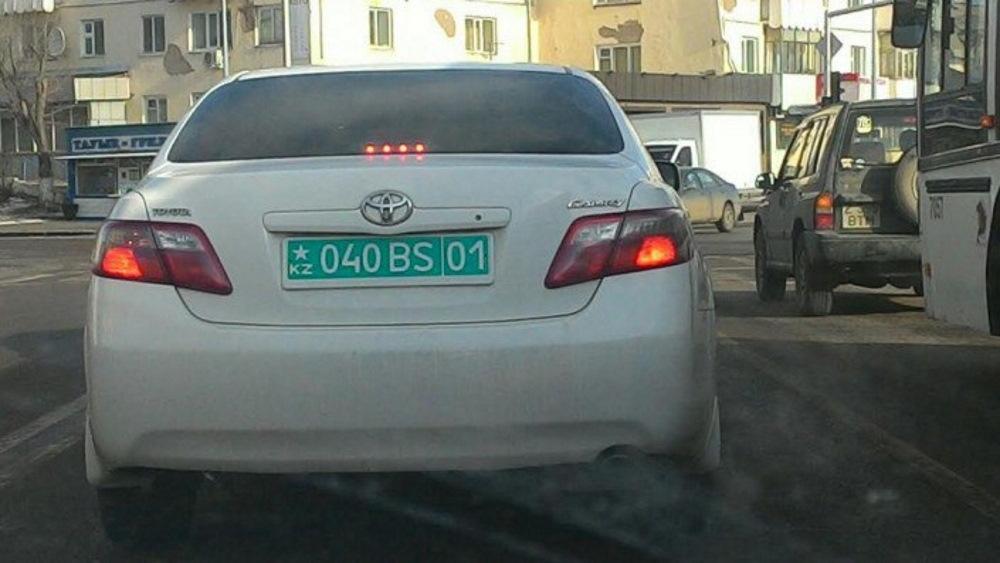 Зеленые номерные знаки Казахстана