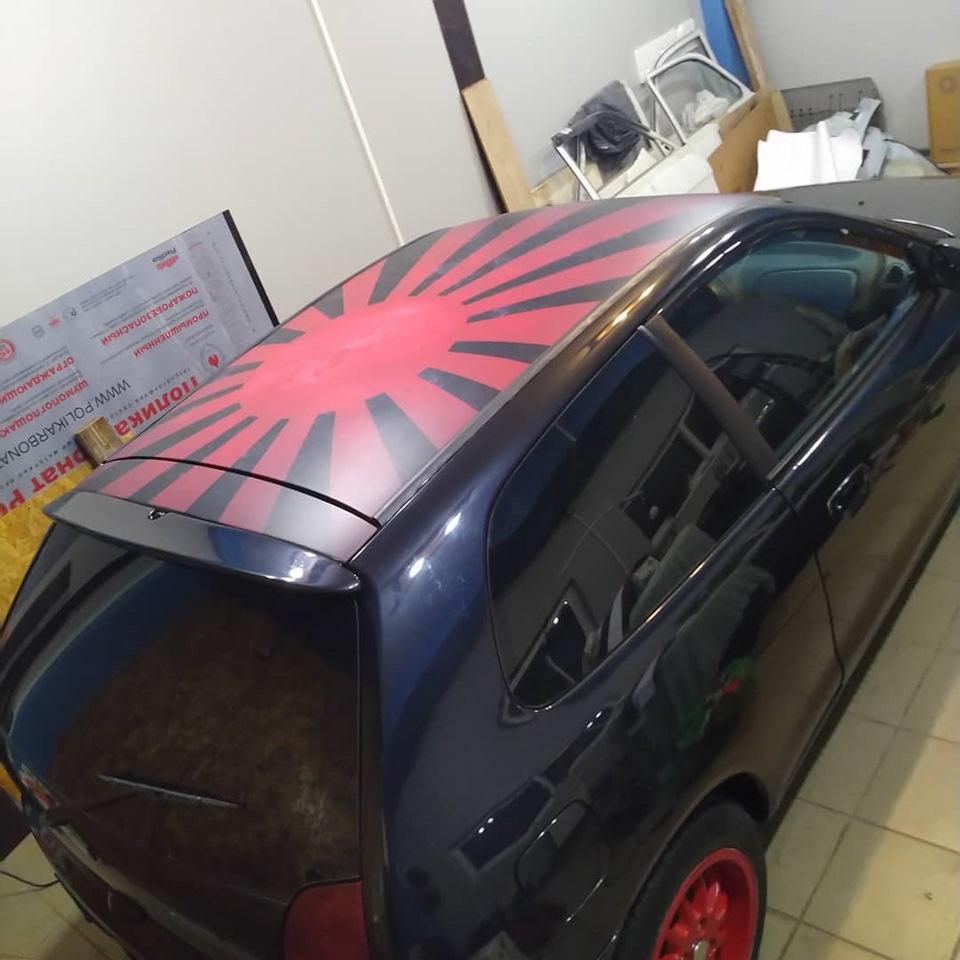 Наклейки на крышу авто