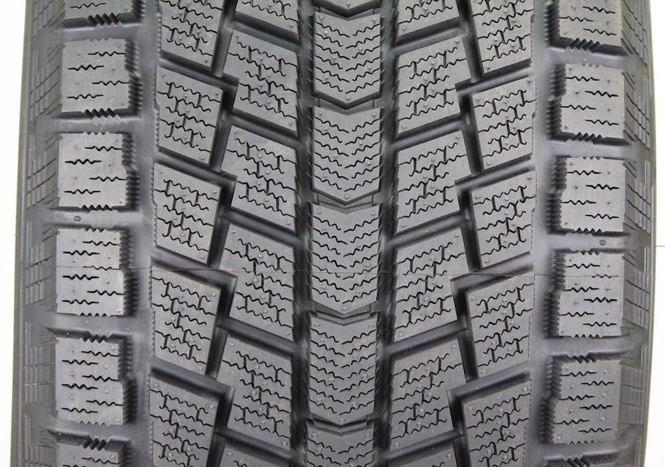Hankook Tire DynaPro i*cept RW08 235/65 R17 104T, зимняя