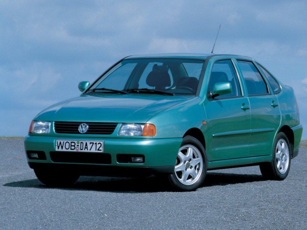 «Поло» седан автомат 1,6 л 1999 года