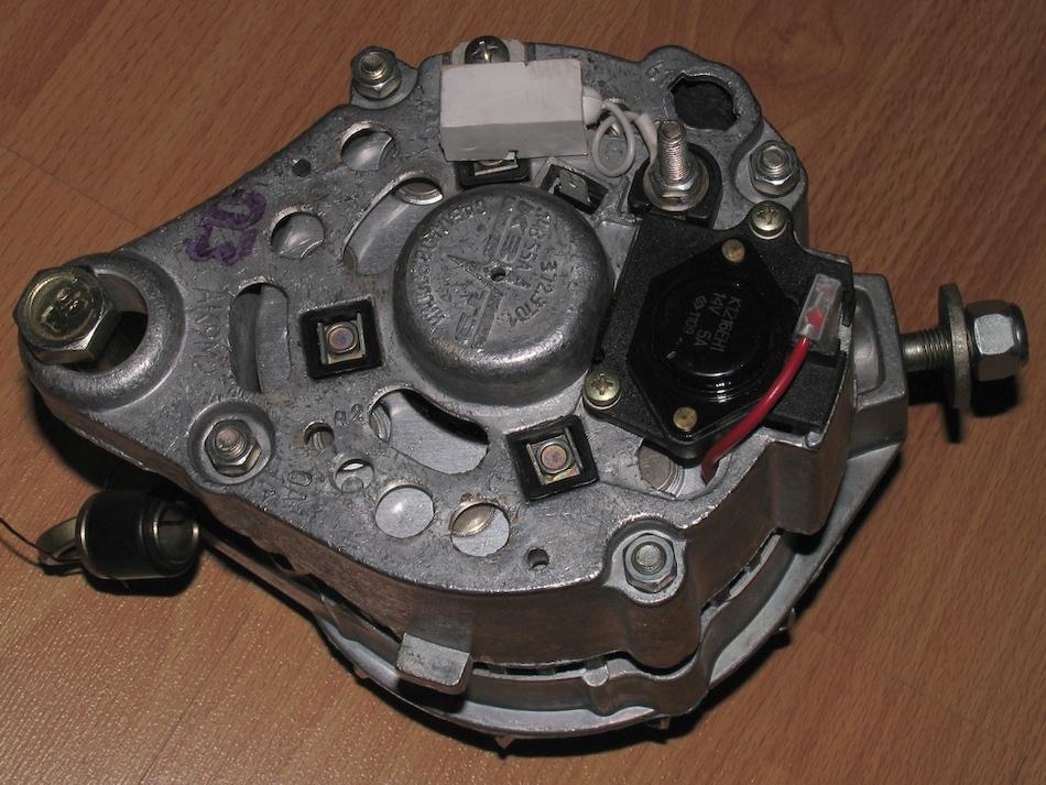 Внешний вид генератора ВАЗ 2108-2115