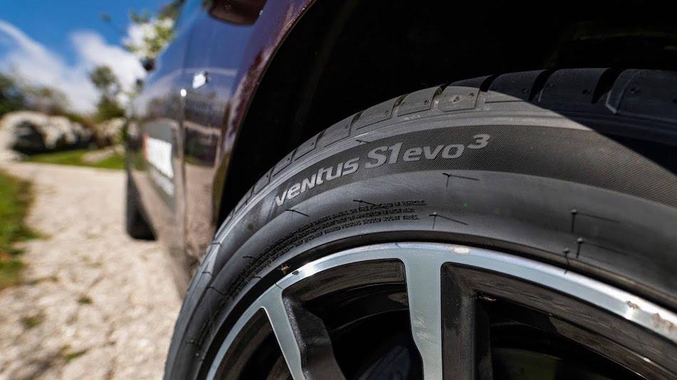 Hankook Tire Ventus S1 Evo 3 K127
