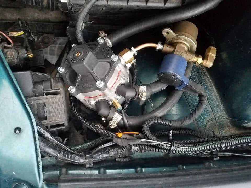Машина глохнет на газу: причины