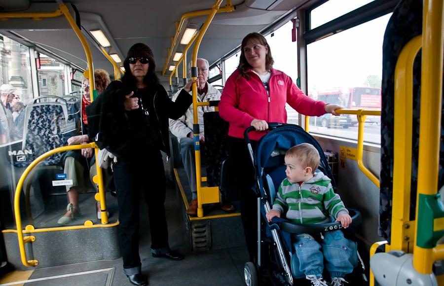 Штраф за неправильную перевозку ребенка в коляске в автобусе