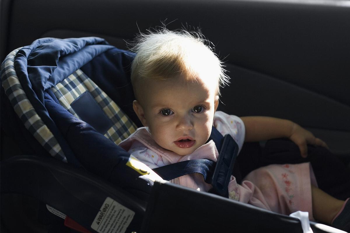 Малыш в такси