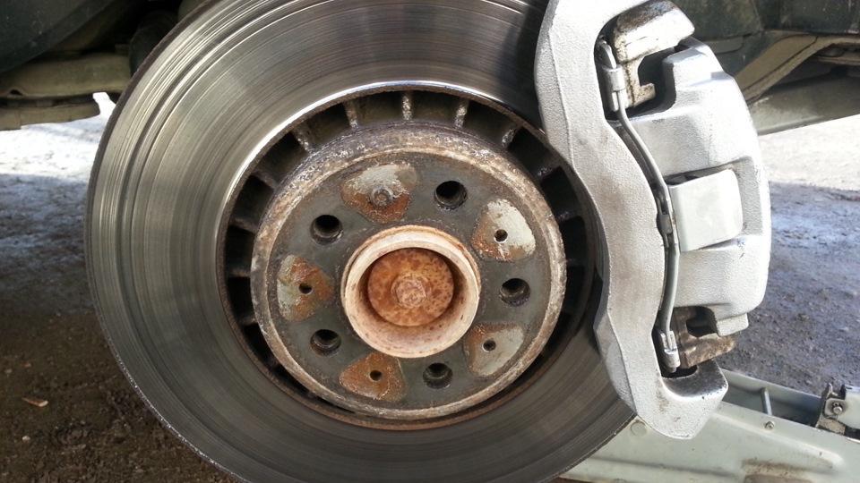Неравномерный износ тормозных дисков