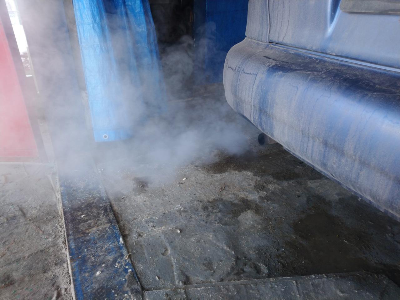 Чем опасен белый дым из выхлопной трубы