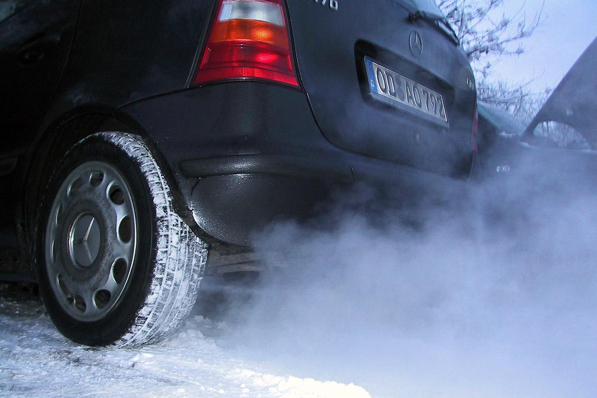 Черный дым из авто
