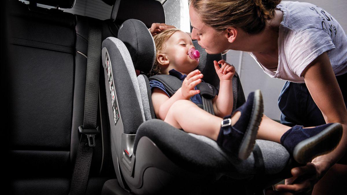 Порядок перевозки детей на переднем сидении автомобиля