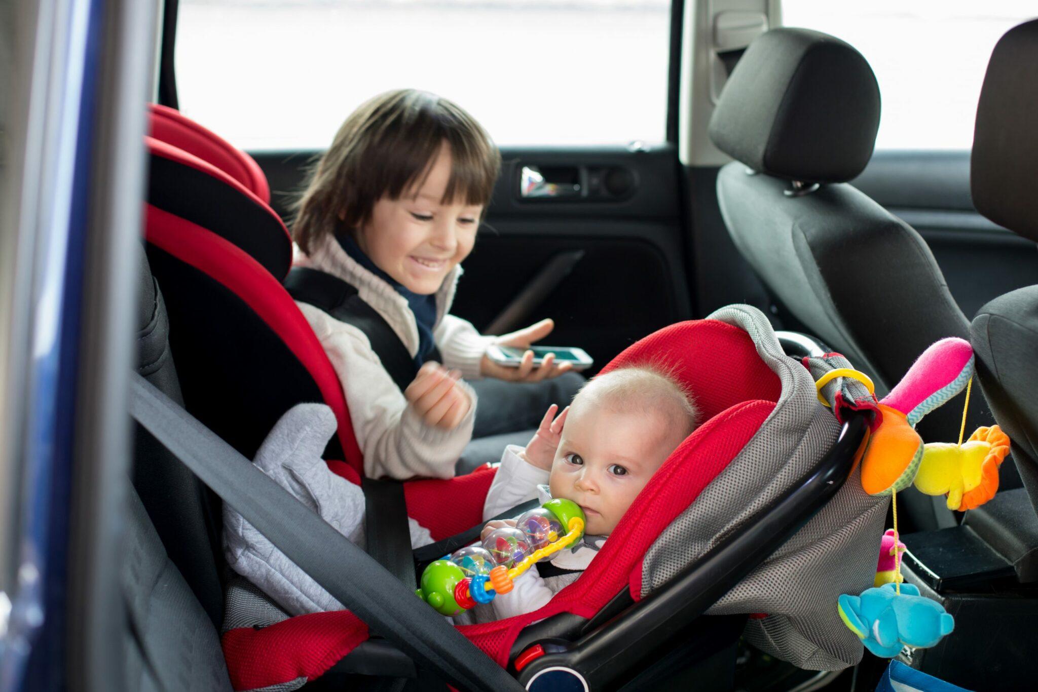 Защита детей при их перевозке на переднем сидении